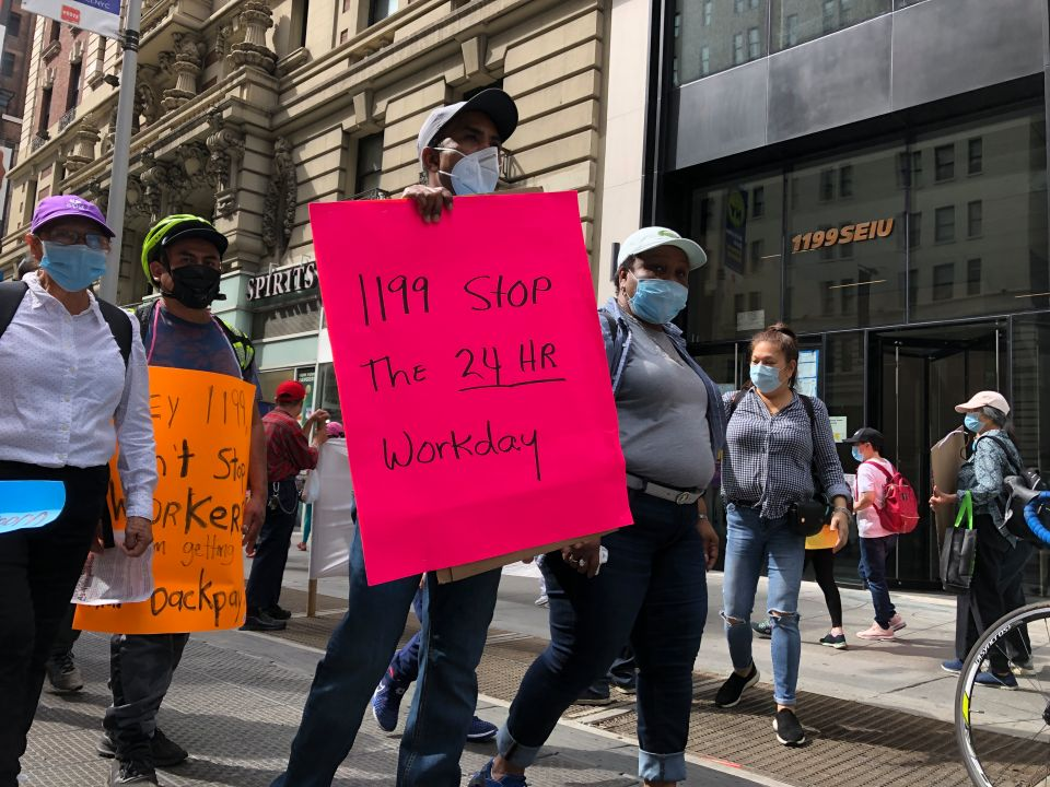 Cuidadores domésticos de salud piden acciones para recuperar salarios