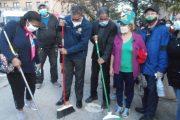 Espaillat y Alianza País se unen para limpiar el parque Duarte Square en el Alto Manhattan