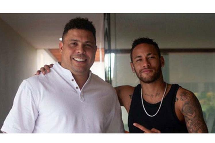 Ronaldo felicita a Neymar por ubicarse segundo goleador de Brasil