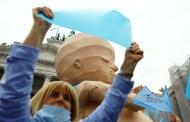 De la conspiración del FMI a citas del 'Señor de los Anillos': los argumentos en contra de la legalización del aborto en Argentina