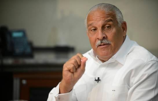 Exvisepresidente de la República Jaime David califica como débil al gobierno del presidente Luis Abinader tras dedicarse a tomar decisiones a través de las redes sociales