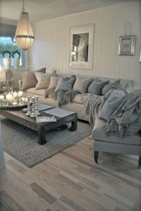 Romantic and shabby chic coastal living room. Who wouldn't ...