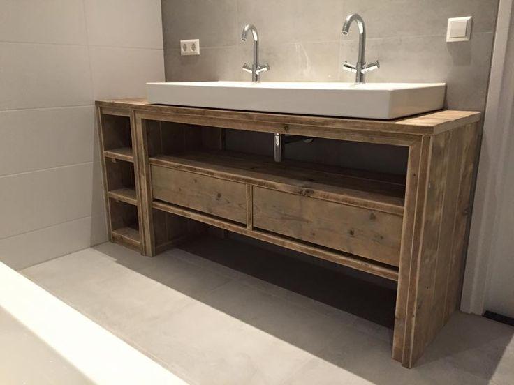 Id e d coration salle de bain meuble salle de bain de for Idee placard salle de bain