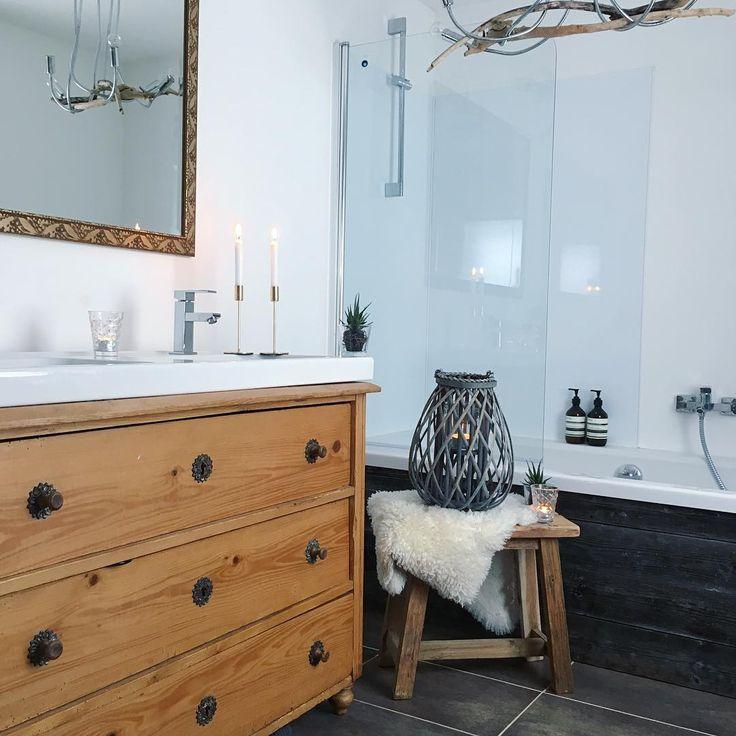 Id e d coration salle de bain salle de bain cosy bois et for Salle de bain bois et beton
