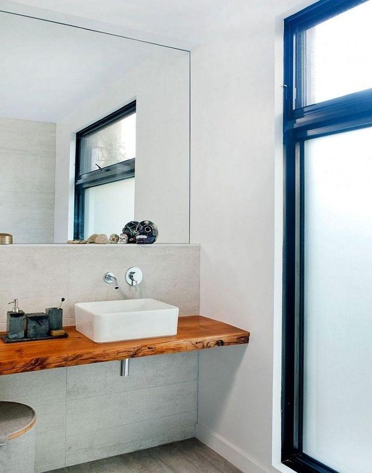 id e d coration salle de bain salle de bains pur e avec mur en b ton plan vasque en bois et. Black Bedroom Furniture Sets. Home Design Ideas