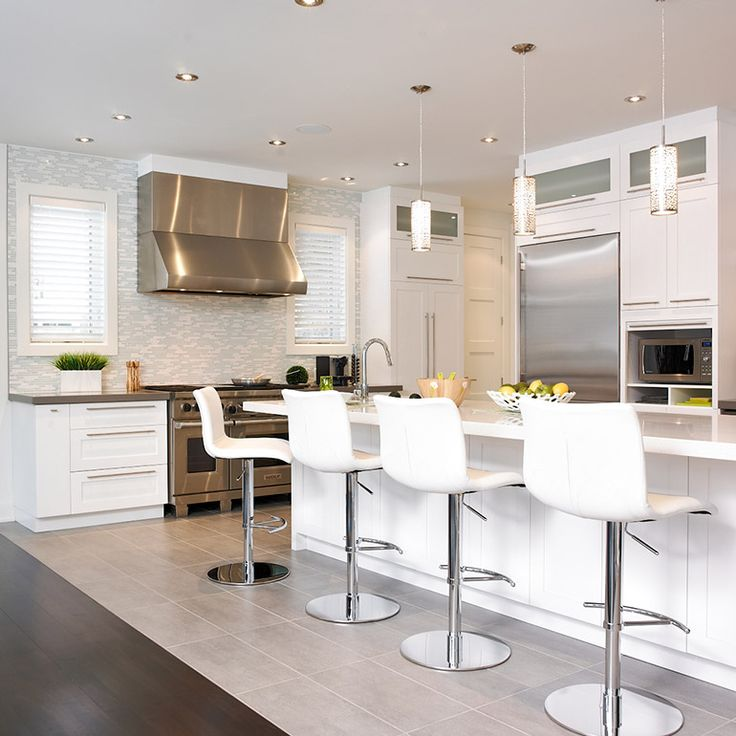 Id e relooking cuisine cuisine r alisation 242 cuisine contemporaine avec armoires en bois - Cuisine contemporaine 2017 ...