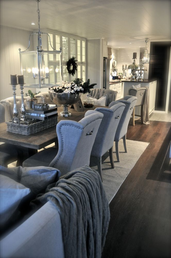 Glamorous Living Space The Open Layout Between Dining Room And Kitchen