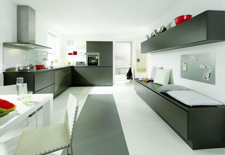 interesting best ide relooking cuisine u modle de cuisine moderne en noir mat carrelage grand format hotte en acier iu with model de cuisine moderne with