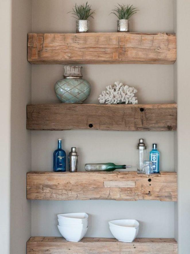 Id e d coration salle de bain des tag res en poutres en - Etagere en bois salle de bain ...