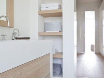id e d coration salle de bain bagno bianco elegante e moderno in stile scandinavo con mobili e. Black Bedroom Furniture Sets. Home Design Ideas