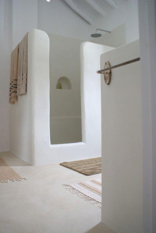 idée décoration salle de bain - crétois et simple : chaux, pierre ... - Salle De Bain A La Chaux