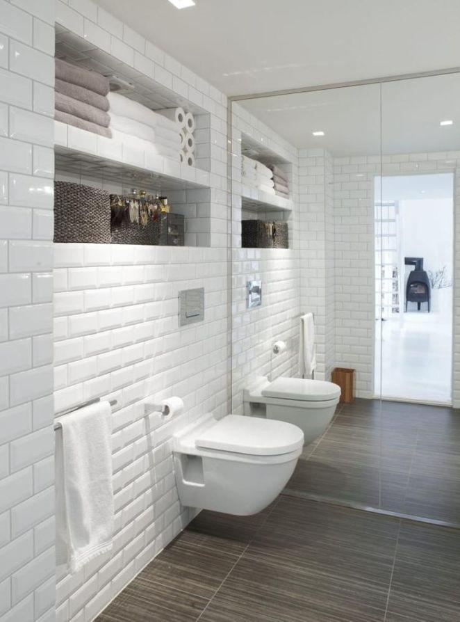 Id e d coration salle de bain carrelage m tro blanc porte miroir et carrelage de sol - Salle de bain carrelage metro ...