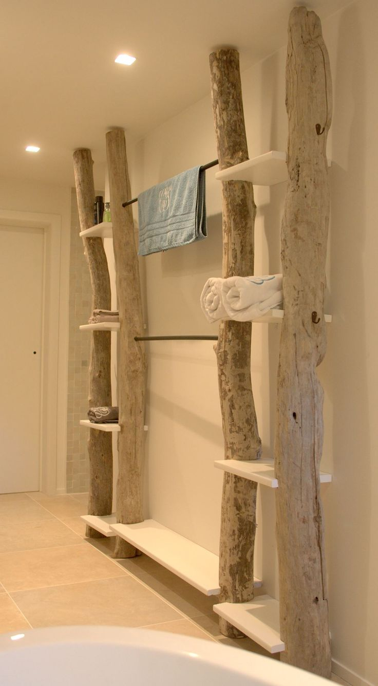 Id e d coration salle de bain etag re bois flott for Salle de bain en bois flotte