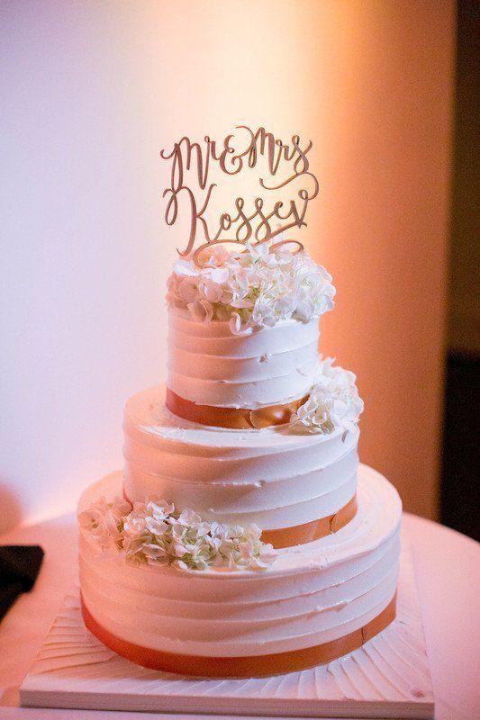 Pice monte 2017  Gteau de mariage glac au beurre avec des fleurs fraches et un topper au