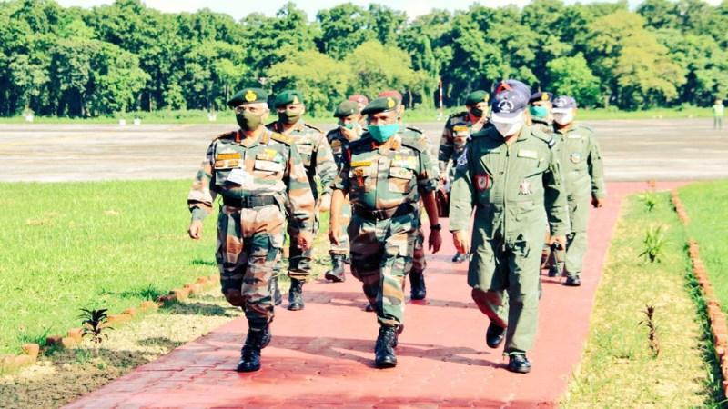 Army Chief General Manoj Mukund Narwane is doing a three-day tour of the Northeast | जनरल मनोज मुकुंद नरवणे कर रहे हैं पूर्वोत्तर का दौरा, जानिए क्या है सेना की रणनीति