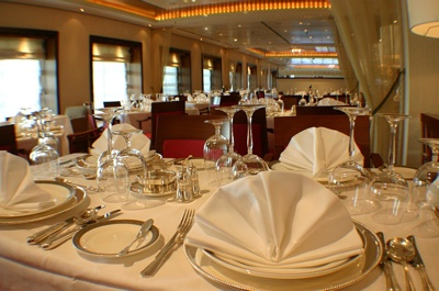 Queen Mary 2 Queens Grill Place Setting