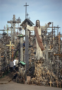 Hill-Crosses-03-500