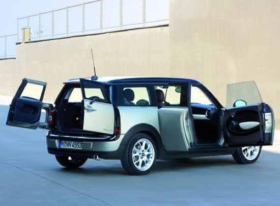 Car-With-Doors-Open1