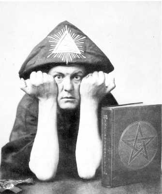 Aleistercrowley4