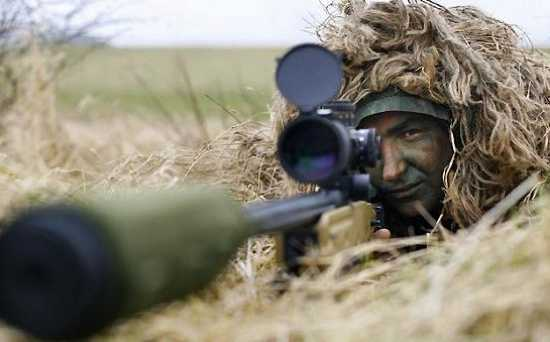 Sniper-Kills-2-Taliban-With-2-Bullets-From-8120-Ft-545X339