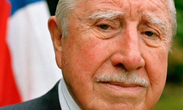 General-Augusto-Pinochet--008