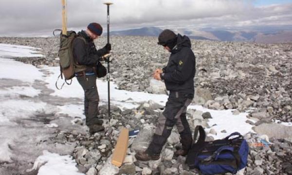 Norwegian-Archaeologists-006