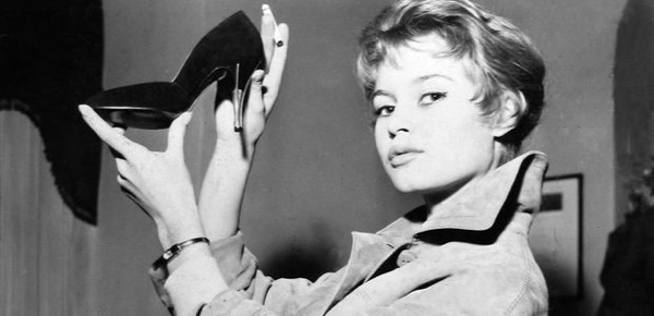Brigitte-Bardot-In-The-50S-During-A-Shopping-Spree-At-Alberto-Dal-Co-In-Rome-175283049