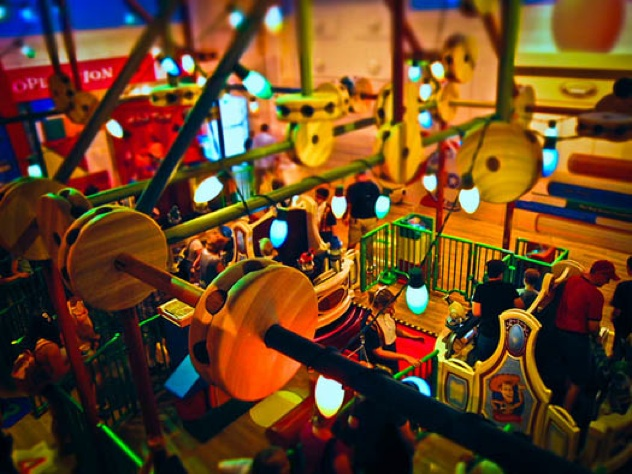 Toy-Story-Mania-Inside