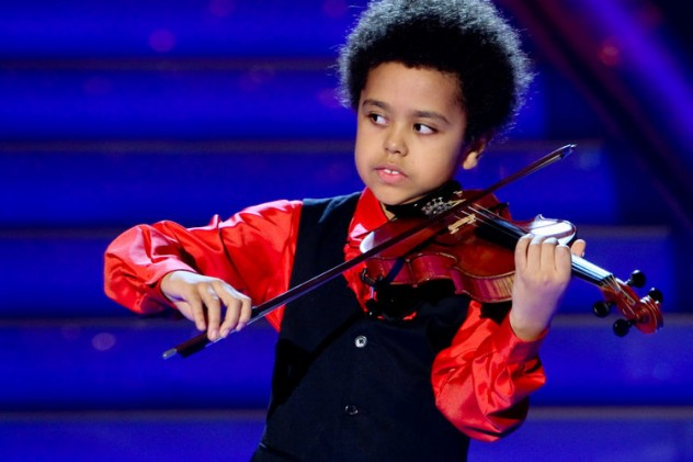 2 year old playing violin