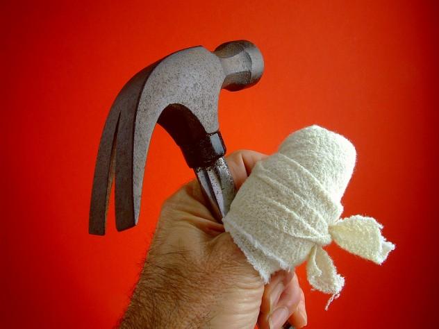 hammer-thumb-injury