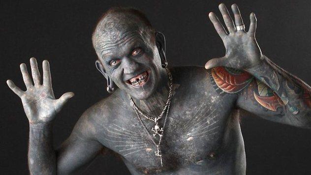 Lucky-Diamond-Rich-worlds-most-tattooed-man-5