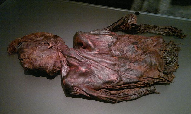 7_1024px-Bog-body_Clonycavan-Man