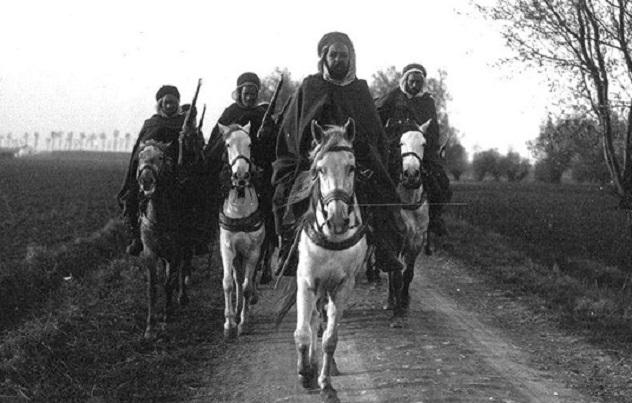 cavalry-patrol-moroccan-spahis