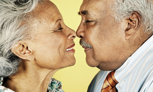 10 Curious Facts About Kissing - Listverse