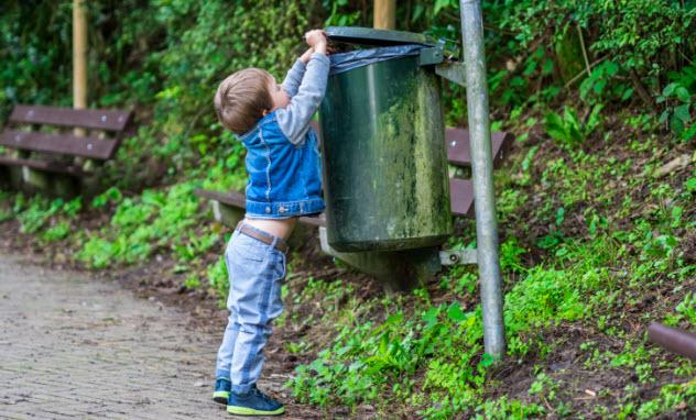 9-boy-garbage-490914432-use-this