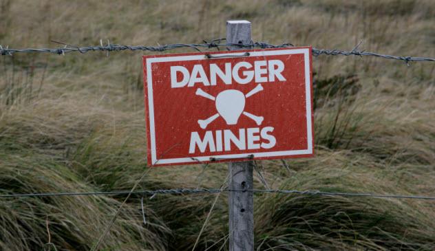 3-mines_000032283996_Small