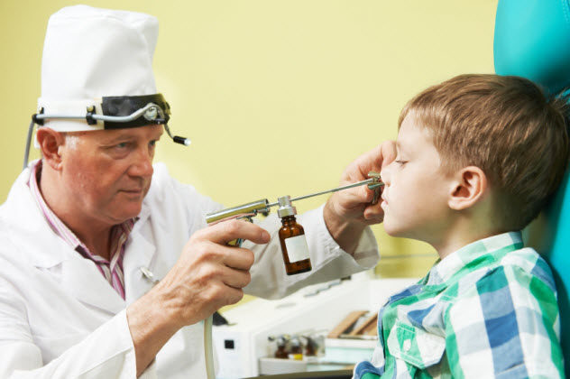 8-nose-doctor_000020725353_Small