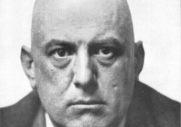 9_Aleister_Crowley