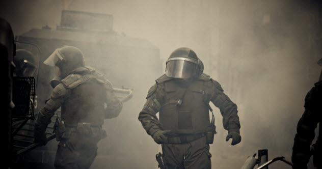 7-feature-riot-police_000022287966_Small