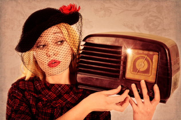 3-old-radio_000021883383_Small