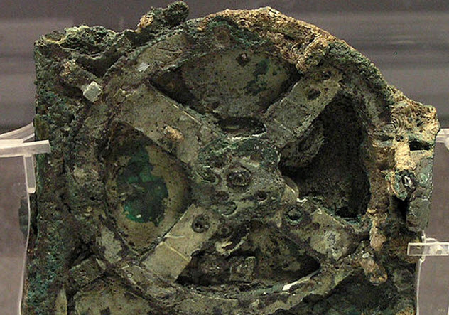 5-Antikythera-mechanism