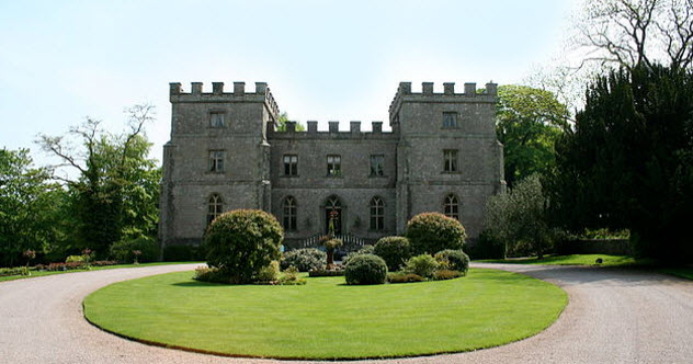 9-clearwell-castle-bkgr