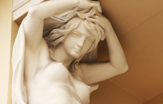 2-sculpture-goddess-of-love_67605123_SMALL