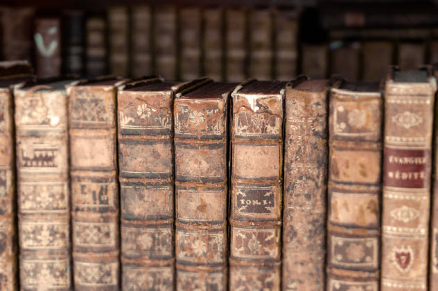 7-ancient-books_95121047_SMALL