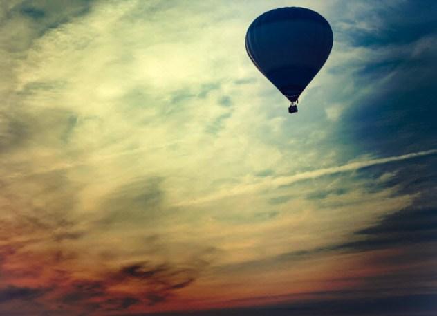 9-balloon-craft-in-sky_51846922_resized-dark