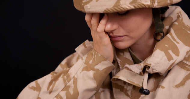 2-woman-soldier-distraught_27777498_SMALL