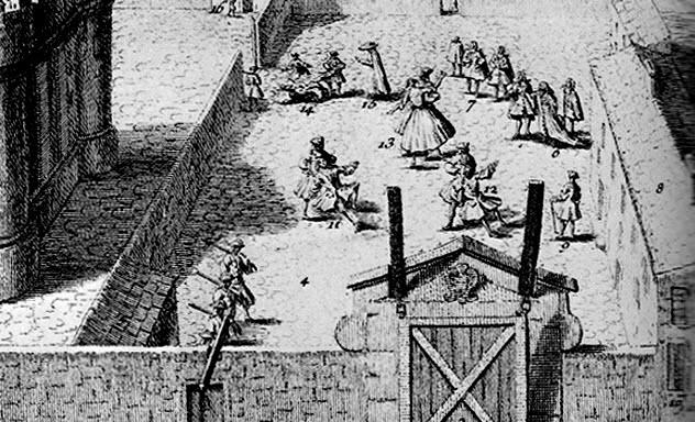 4b-exercising-in-courtyard-bastille