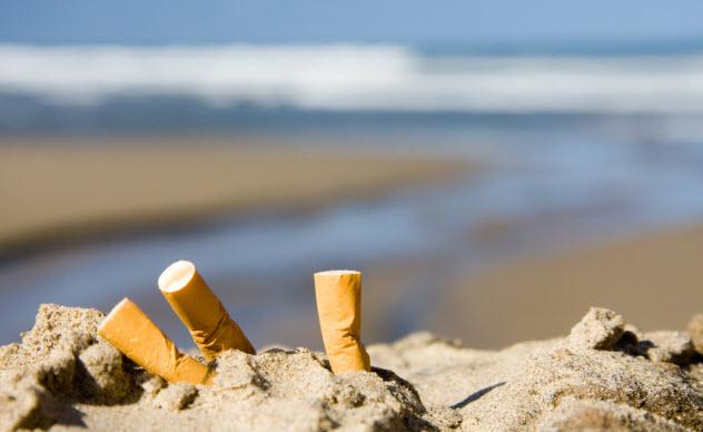 8a-cigarettes-beach_10011017_SMALL