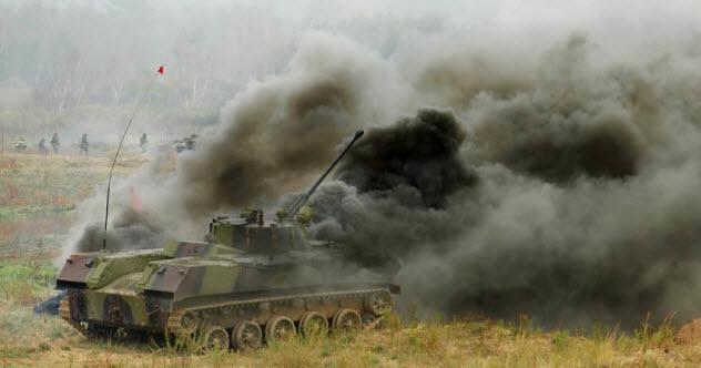 9b-tank-battle_10880413_SMALL