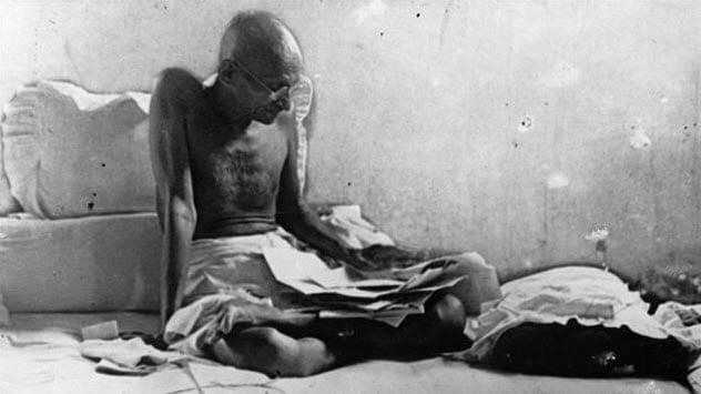 10-gandhi-hunger-strike